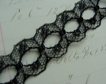 2 Yards Victorian Gothic Netted Black Lace