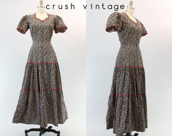 40s Dress Floral Dressing Gown XS  / 1940s Vintage Dress Novelty Print Hearts  / Under the Awning Gown