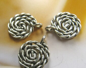10 pcs - Antique Silver charm (FIND-115)