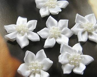 10 pcs - 25mm satin pearl flower appliques - AP008