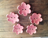 5 Ceramic Button Flowers in Pink- set of 5 - Gres Buttons
