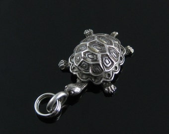 Vintage Sterling Silver Turtle Charm Pendant