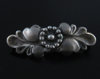 Vintage 830 Silver Flower Pin Old C Clamp Clasp