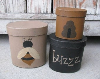Primitive Hand Painted Honey Bee and Hive Oval Set of 3 Stacking Boxes  GCC5682