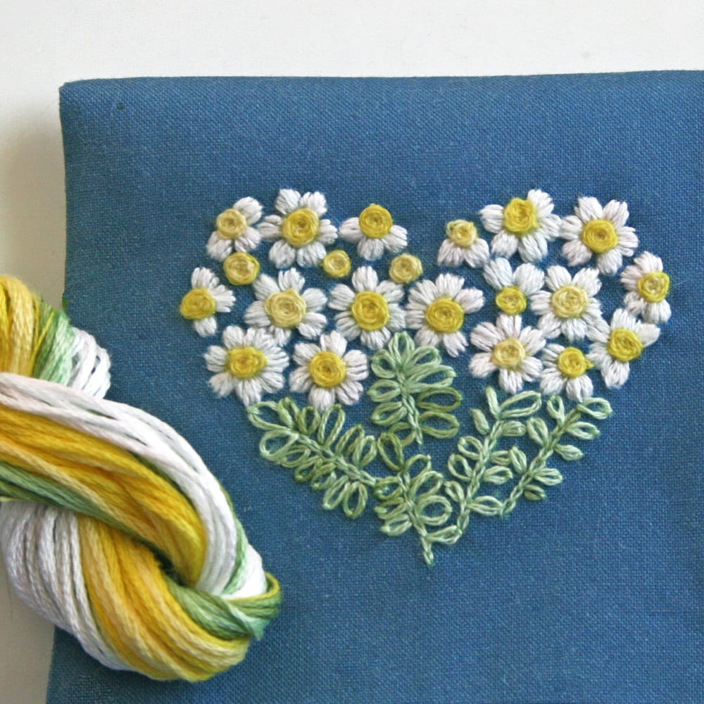 Crewel Embroidery Pattern DIY Embroidery Kit Gift Pouch Daisy