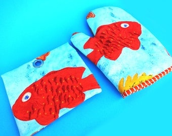 the TROPICAL SEA magnet set for Exotic Fish, Scuba Diving Specialists and Travelers, Oven Mitt and Pot Holder