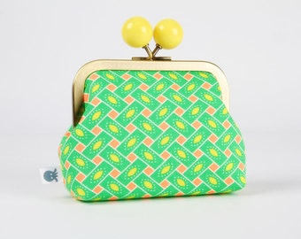 Metal frame coin purse with color bobble - Citrus vert - Color dad / Petit Pan french fabric / Neon orange / Green Yellow / Geometric