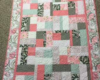"""Flowers and Pinks throw   64"""" x 47""""   Free shipping"""