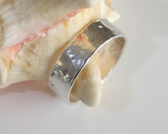 Ring: Unisex Sterling - Wide Hammered Band