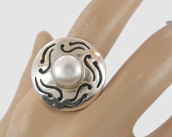 Pearl Sterling Silver Ring - Vintage Modern - Size 8.5 - Statement Ring - InVintageHeaven