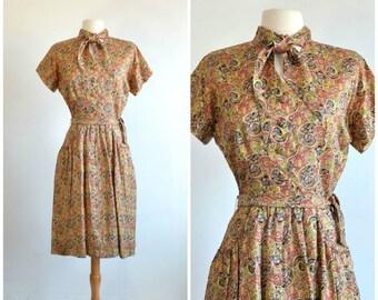 40s Scarf Collar Dress - Scoop Pockets - Button Down - Paisley Print - medium