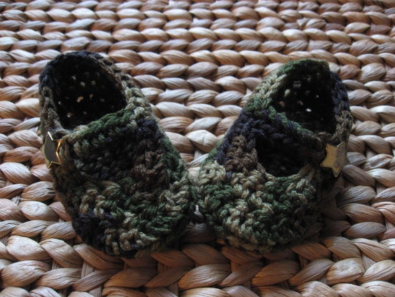 Camouflage Gold Star Crochet Baby Booties 6-9 Months