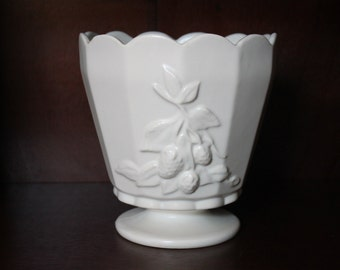 CLEARANCE - Vintage Ivory Scalloped Edge USA Pottery Round Footed Planter Vase