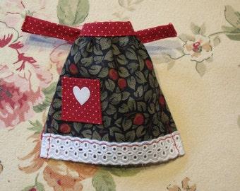 Barbie Clothes Handmade Valentine Berry Leaf Apron with Heart Applique  Red Polka Dot Pocket, Eyelet Trim