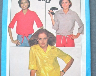 Simplicity 8271 Vintage Sewing Pattern Front Yoke, Pullover Top Collar, Drawstring at Waist, Sleeve Variations  Bust 30.5 to 31.5 inches