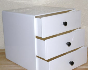 Mid Century Modern Cube Jewelry box by InterDesign