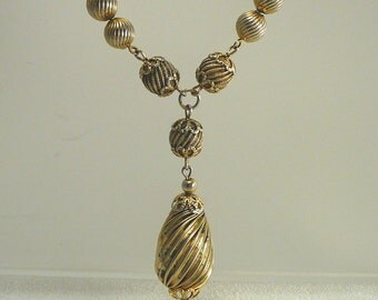 Vintage Drop Necklace Gold Metal Ridged Beads