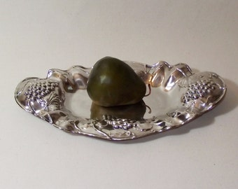 Antique Grape Motif Silver Plate Tray P A Coon Silver Mfg Co 1907 - Victorian Table Bling