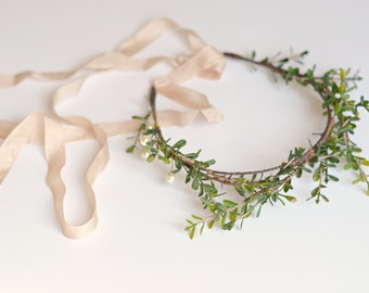 Bridal crown, pearl and twig crown, leaf crown, wedding headband, bridal head piece, branch crown, hair accessory - Hedgerow