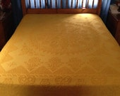 Cheerful Sunny Gold Bedspread