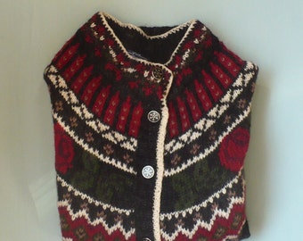 Vintage Woolrich Women's Cardigan Fair Isle with Roses and Metal Snowflake Buttons Large