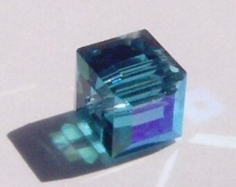 Clearance Sale 6mm Swarovski Crystal Beads 6mm CUBE Blue Green Crystal Beads INDICOLITE AB -- on sale 6 pieces per lot