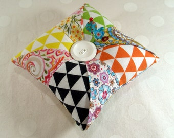 Pincushion, Pinwheel Pocket Patchwork Pincushion, with Emery, Ready to Ship