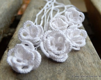Tatted  Embellishment 3D Roses  - white - 6pcs hand tatted decoration for scrapbook or embellishment or decoration