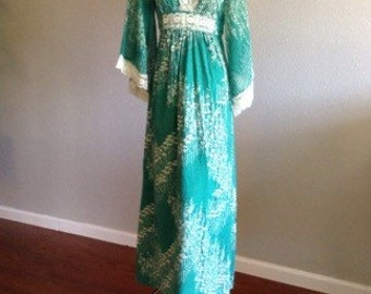 Vintage green 1960s angle sleeve maxi floral dress