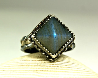 Sterling Silver Labradorite Pyramid Ring, Blue Flash, Hand Made Custom Jewelry, Goth Style