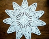Crochet Doily Large White Cotton Center Piece with Dubbel Pineapple Pattern Heirloom Quality