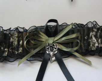 MOSSY OAK CAMOUFLAGE wedding garters Deer Camo garter Black Toss