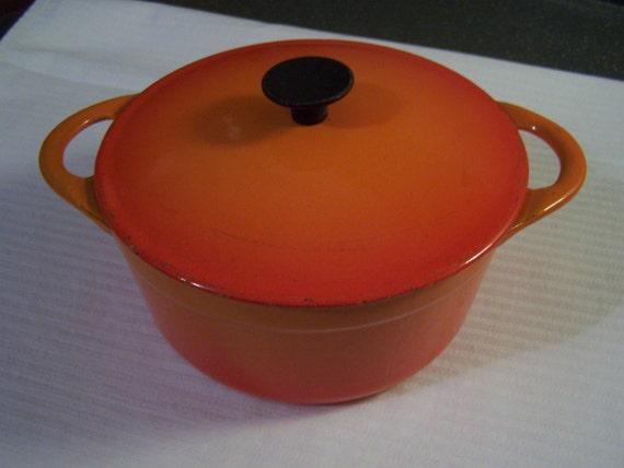 vintage le creuset cousances cast iron pot flame orange. Black Bedroom Furniture Sets. Home Design Ideas