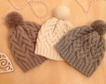 Warm handknitted hat. Australian cashmere with mohair. Теплая зимняя шапка. Связано вручную из австралийского кашемира с мохером