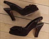 Until Tuesday . vintage 1940s shoes . 40s shoes . 4616
