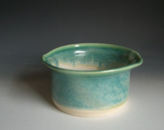 Hand thrown stoneware pottery bowl  (B-Q2)