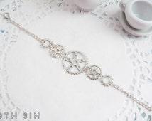 Antique Silver Gear Bracelet, Steampunk Gear Bracelet, Steampunk Gift, Clockwork Bracelet, Steampunk Bracelet, Engineer Gift, Gear Jewelry