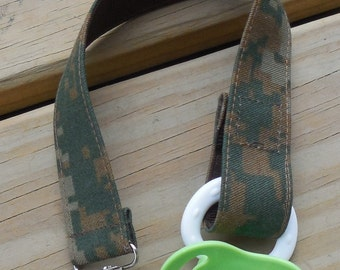 Military USMC Baby Pacifier Holder US Marine Woodland Camo Fabric Pacifier Holder Woodland Camouflage Fabric Pacifier Clip Binky Clip