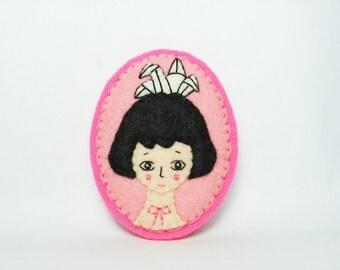 29% SALE Troubled Anime Girl Felt Brooch / Fantasy Girl Felt Brooch / Origami Lover Brooch / Japan Lover Felt Brooch / Miniature Portrait