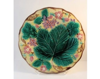 MAJOLICA SALE Take 25% off price with coupon code Majolica Wedgwood Strawberry Plate