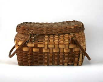 Antique Winnebago Basket. Native American Indian. Primitive. Hand Woven. Covered Basket Handles. Lidded. Natural. Hickory. Swing Handles.