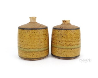 2 Michael Pratt Vintage Studio Pottery Stoneware Shakers Mid Century Modern