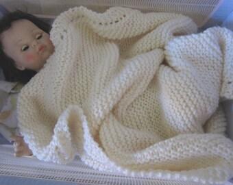 knit baby blanket, chunky yarn acrylic (aran color)