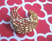 GLAM Vintage Coro Brooch  Windswept Beauty Gold Tone FREE SHIPPING