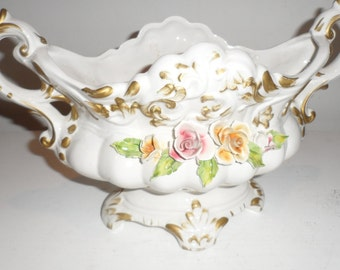 capidomonte center piece bowl  gold gilded and roses