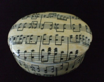 Music  Score Sheet Trinket Box - Ceramic - Lined - White Satin - Jewelry - Vintage - Gifts - #1015
