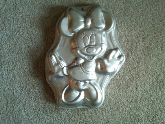 Minnie Mouse Full Body Cake Pan