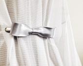 Silver Bow Tie Cinch Clip