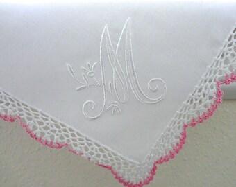 Bridesmaid Handkerchief, Bridesmaid Gift, Bridal Shower gift: Wedding handkerchief with single initial