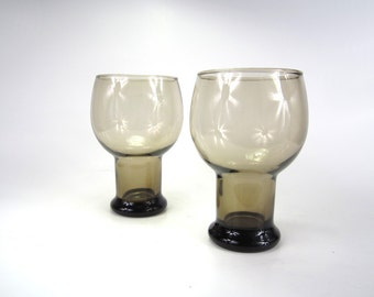 Pair of Vintage Honey Amber Brown Beer Goblets ----- great for iced tea, frozen drinks, or water